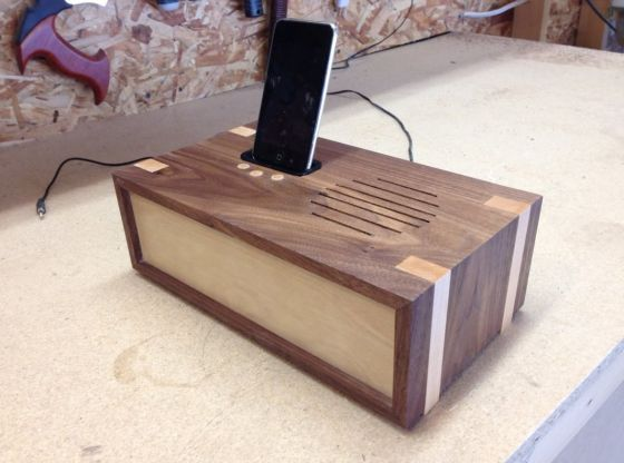 Clasimex.com Woodworking project - docking station Wood Topics